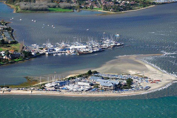 20 Minute Beaches and Bays Helicopter Tour