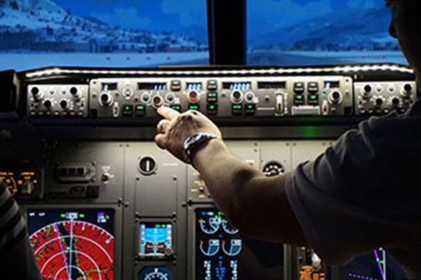 30 Minute Boeing 737 Flight Simulator Experience in Newcastle-Upon-Tyne