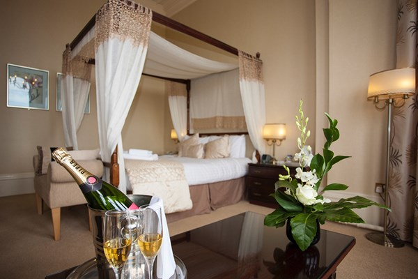 Romantic Stay with Bubbles