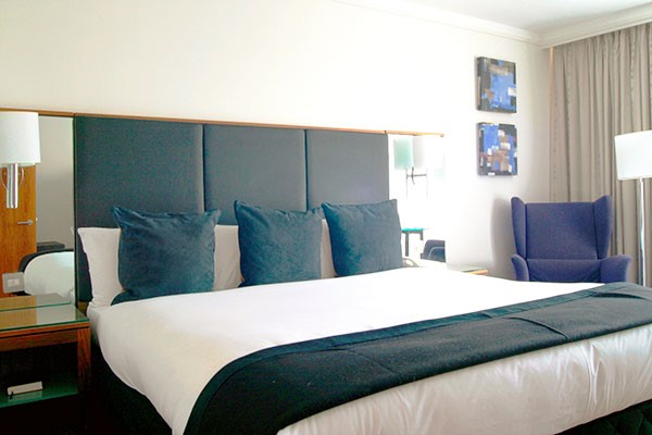 Overnight Stay with Dinner and Fizz for Two at Crowne Plaza Marlow