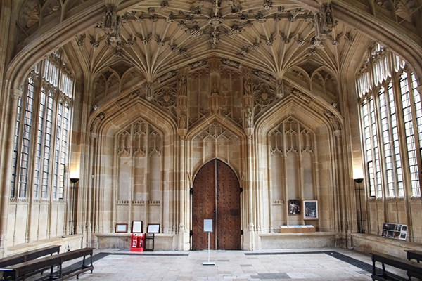 image of Harry Potter and other Movie Sites Tour of Oxford