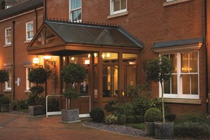 One Night Break with Dinner at Pinewood Hotel