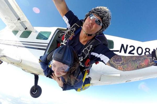Tandem Skydive 7000ft