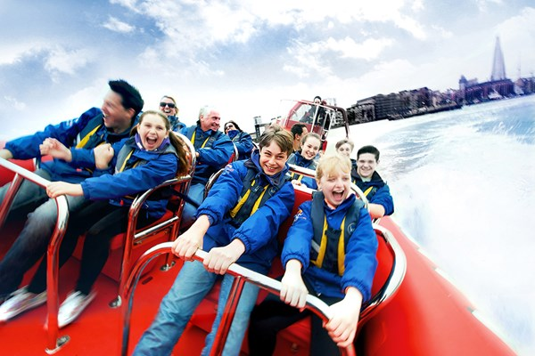 Family Thames Rockets Powerboating Experience