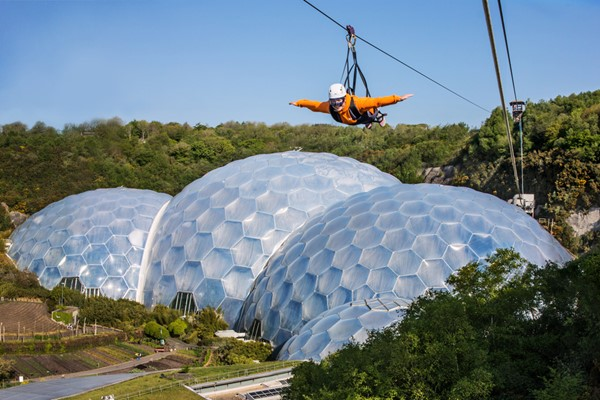 Hangloose at The Eden Project – The Radical Package for One with Free Photo and Video