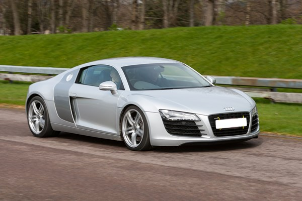 audi r8 driving experience from buyagift. Black Bedroom Furniture Sets. Home Design Ideas