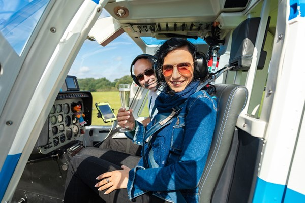 15 Minute Helicopter Tour with Bubbly for Two