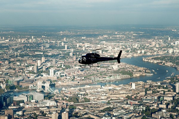 30 Miles Helicopter Tour of London from Essex