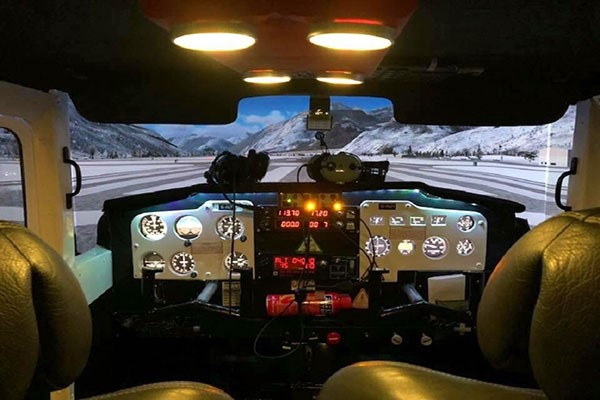 90 Minute Flight Simulator Experience