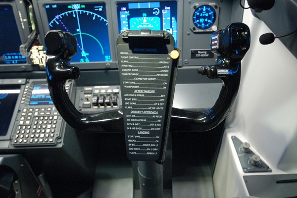 Landing Plane Flight Simulator for One at Jet Sim School