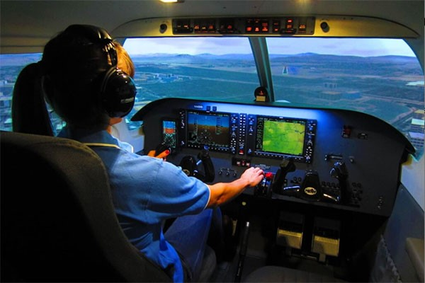 Piper PA-28 Cherokee Flight Simulator Experience for One