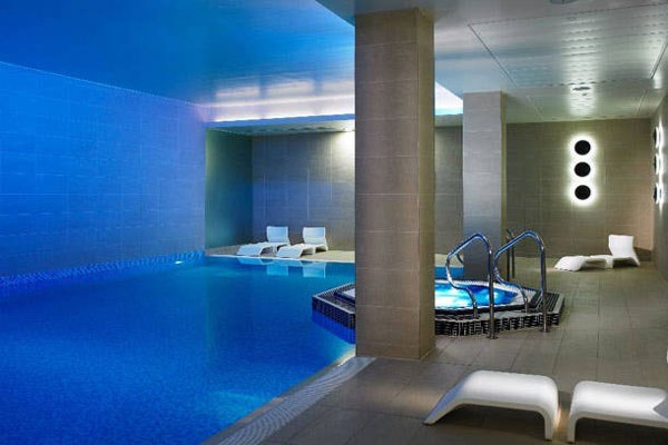 Luxury relaxation experience for two at marriott lingfield park from buyagift for Waltham abbey swimming pool times