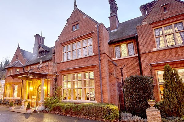 Bannatyne Premium Spa Day with 3 Treatments, Lunch and Fizz for Two - Weekround