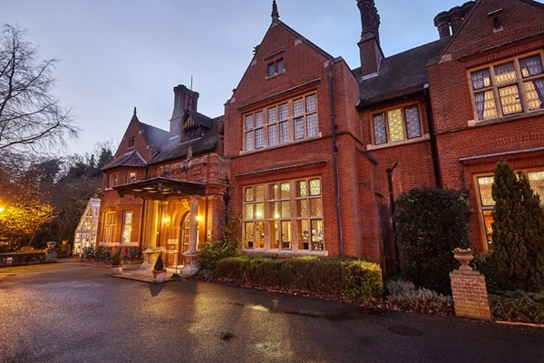 Deluxe Spa Day with 3 Treatments and Lunch at Bannatyne Bury St Edmund - Weekround