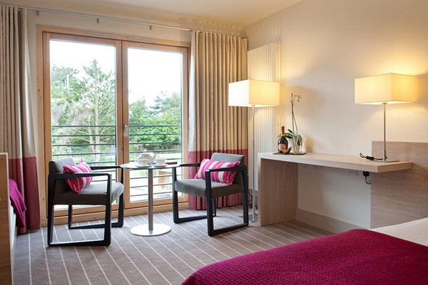 Two Night Stay with a Cream Tea for Two at Lifehouse Spa and Hotel