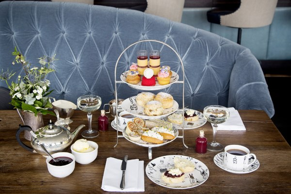 Midsummer Night's Dream Sparkling Afternoon Tea for Two at The Swan at The Globe