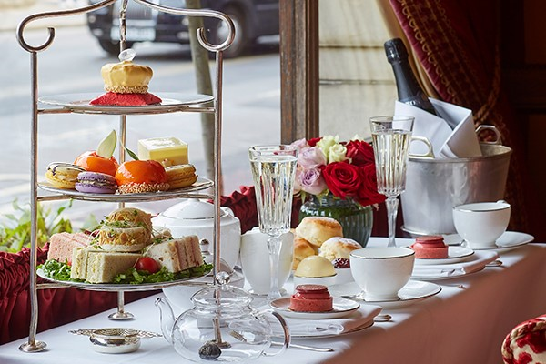 Champagne Afternoon Tea For Two At Rubens At The Palace