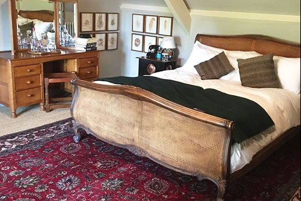 Two Night Break with Dinner and Fizz for Two at Rudloe Arms