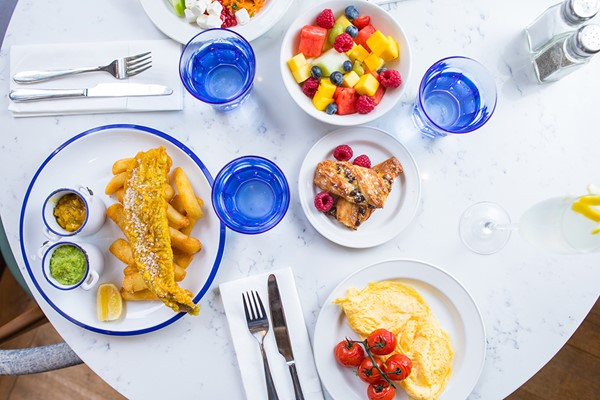 Brunch with Drinks for Two in London