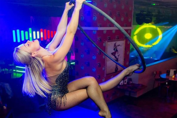 Cabaret Show Centre Stage Seats And A Glass Of Prosecco For Two At Coco Southend