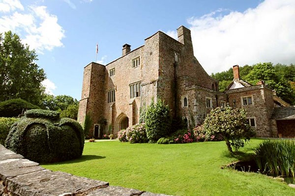 Overnight Stay with Breakfast for Two at Bickleigh Castle