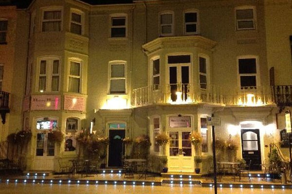 Two Night Break for Two at Henry's On The Prom
