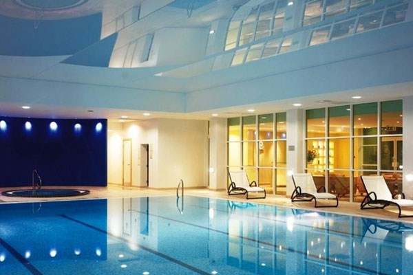 One Night Stay with Spa Access for Two at Regency Park Hotel Berkshire