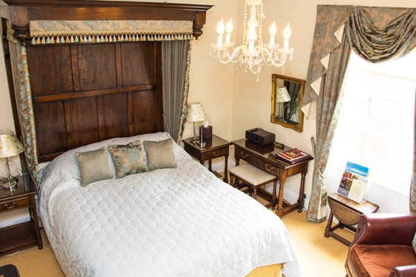 One Night Escape with Dinner at the Beechwood Hotel for Two