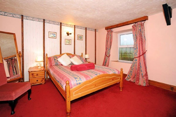 Luxury Two Night Break at The West Country Inn with Breakfast for Two