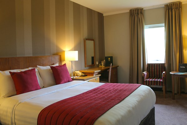 One Night Break with Dinner at Cedar Court Hotel Wakefield