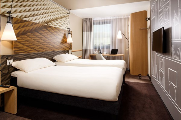 Sunday Night Stay for Two at Ibis London City