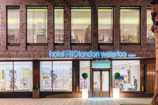 One Night Getaway with Dinner at H10 London Waterloo