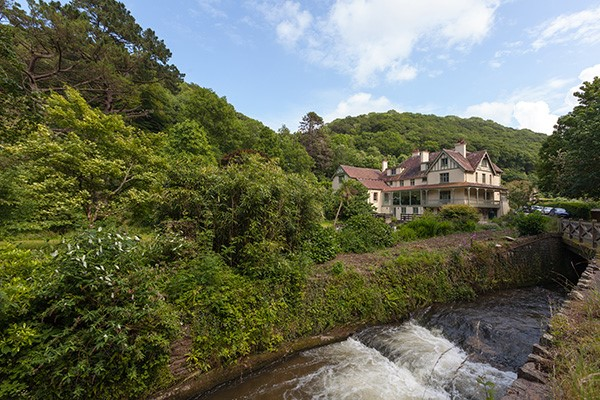 Overnight Stay for Two with Breakfast at Hunters Inn, North Devon
