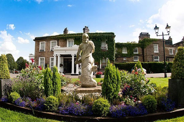 One Night Break with Dinner at Ringwood Hall Hotel