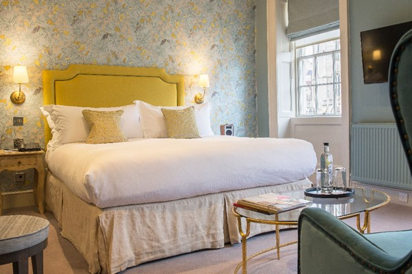One Night Escape with Dinner for Two at The Queensberry Hotel