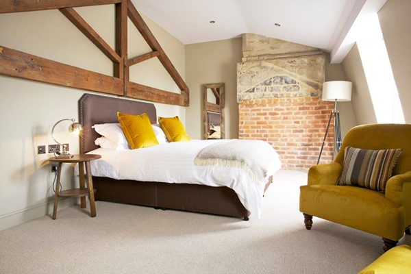 Two Night Escape with Breakfast for Two at The Kings Head Hotel