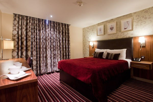 One Night Break with Dinner for Two at Hallmark Hotel Hull