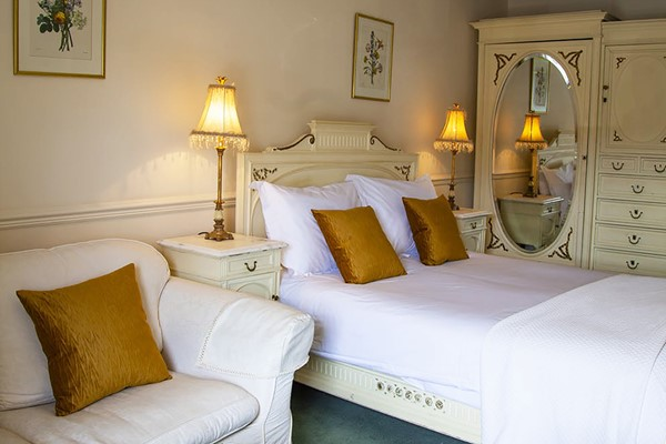 One Night Luxury Stay with a Three Course Meal for Two at The Wensleydale Hotel