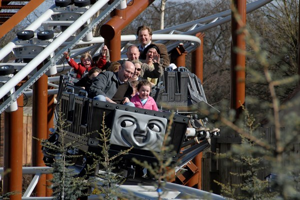 Drayton Manor Park Tickets for Two Adults and Two Children