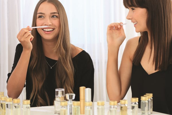 Design Your Own Perfume Gold Experience With A Gift For Two