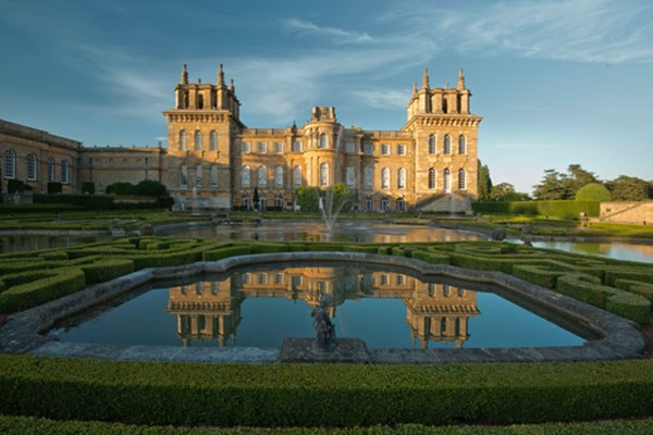 Blenheim Palace Entry And Lunch For Two At The Crown In Woodstock