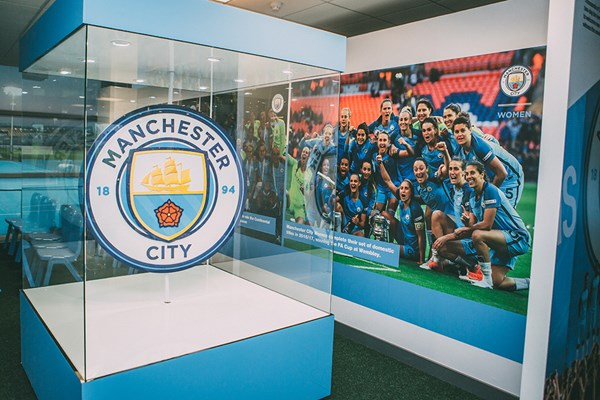 Manchester City Legends Stadium Tour and Lunch for One