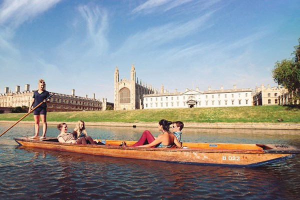 Cambridge Self-Punting Boat Ride for Up to Six People