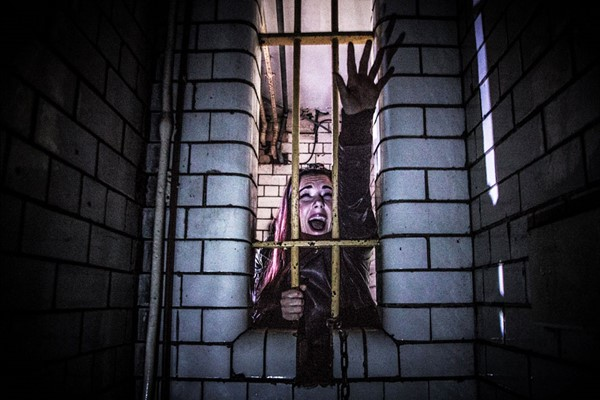 Hell in a Cell Escape Room Game for Four