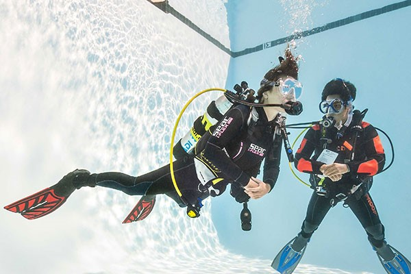 Scuba Diving Experience for Two at DiveShack UK