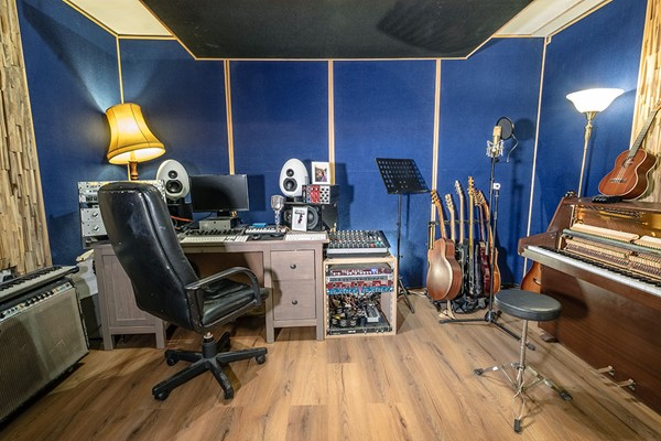 Music Production Experience at Blue Room Studios