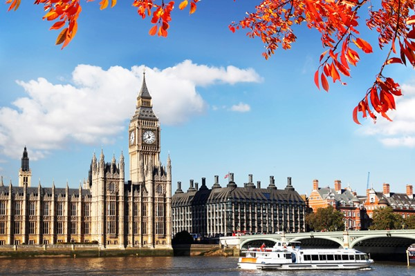 Westminster Sightseeing Cruise on the Thames for Two – Return Trip