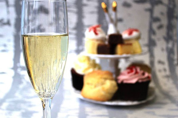 Afternoon Tea with Bottomless Fizz for Two at Beas of Bloomsbury