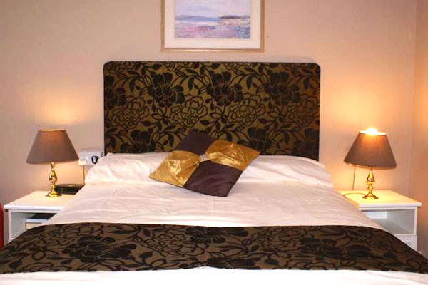 Two Night Escape for Two with a 3 Course Meal at The Richmoor Hotel