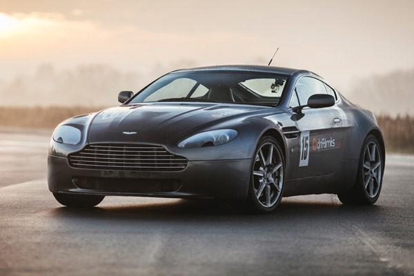 Aston Martin V Vantage Experience From Buyagift - Aston martin vantage v8